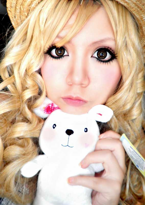 Circle lens for gyaru style